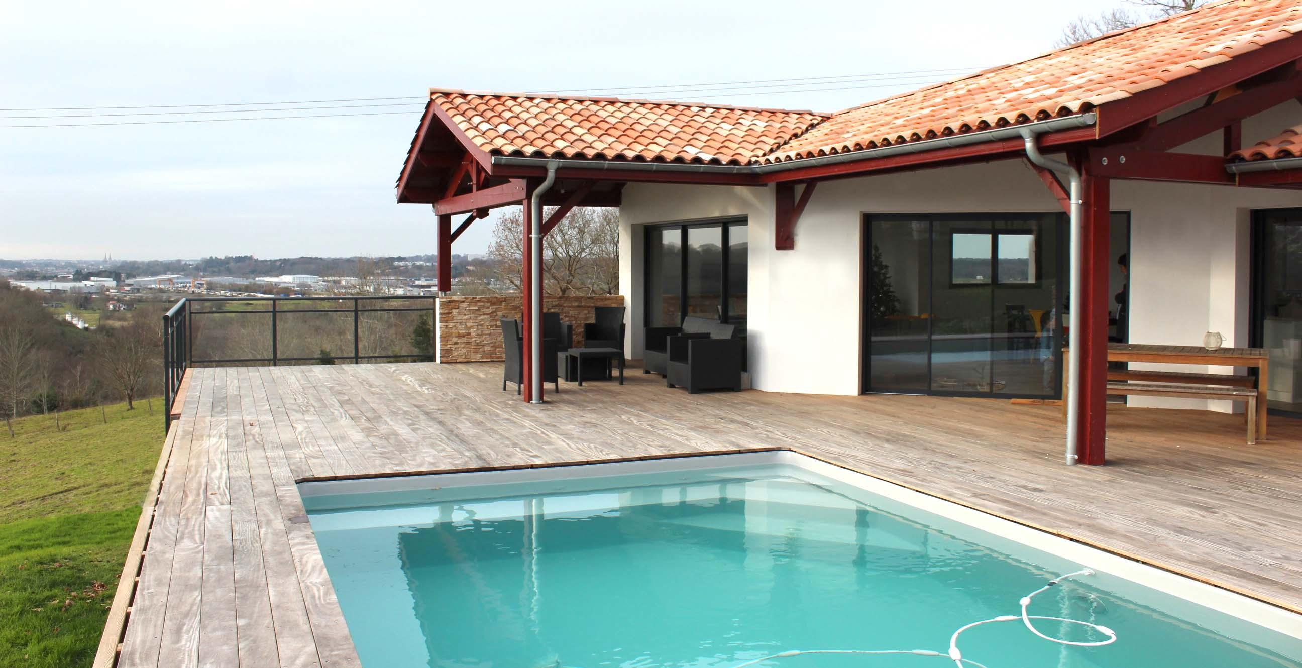 constructeur maison basque avie home. Black Bedroom Furniture Sets. Home Design Ideas